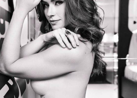 Renata Longaray, repórter do Faustão faz ensaio sensual