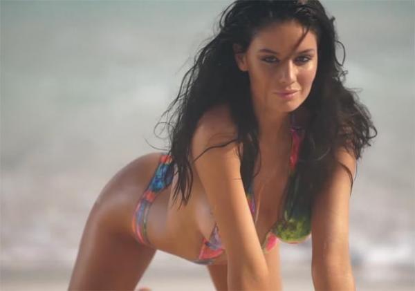Brasileira vence concurso e será musa da Sports Illustrated