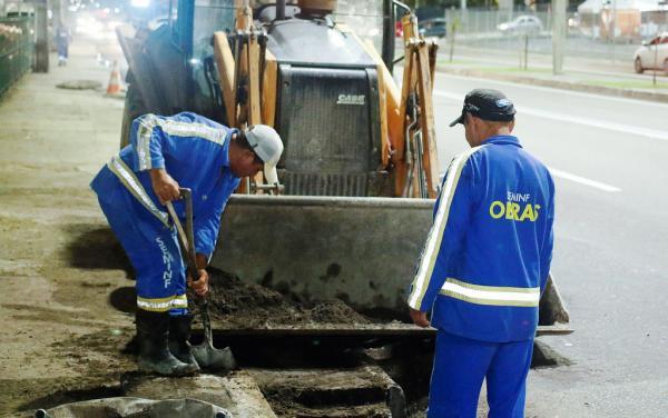 Prefeitura já retirou mais de cinco toneladas de lixo de bueiros da Djalma e Constantino