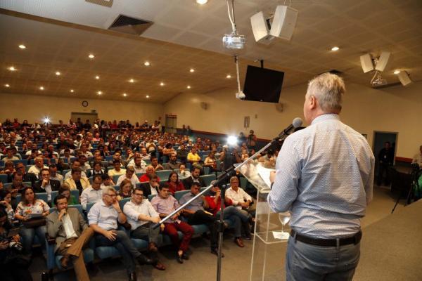 Arthur Neto destaca avanços de sua gestão em reunião ordinária da Fieam