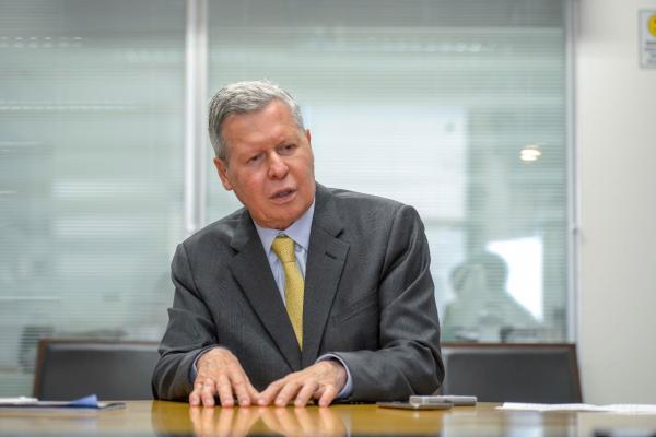 Arthur Virgílio cobra intervenção de Temer na greve dos caminhoneiros