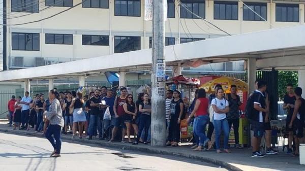 Apenas 60% da frota de ônibus opera nesta sexta em Manaus, diz Sinetram