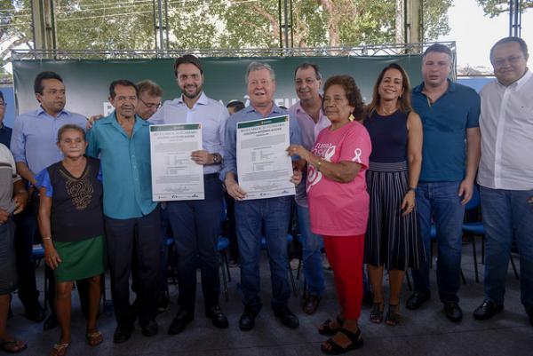 Ministro das Cidades e prefeito de Manaus assinam acordo para regularizar 5 mil moradias