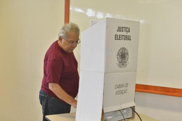 Amazonino Mendes participa de eleição do Quinto Constitucional 2018