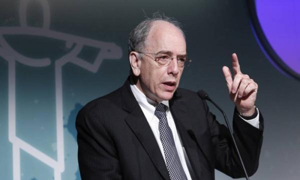 Em meio a crise e greves, presidente da Petrobras pede demissão