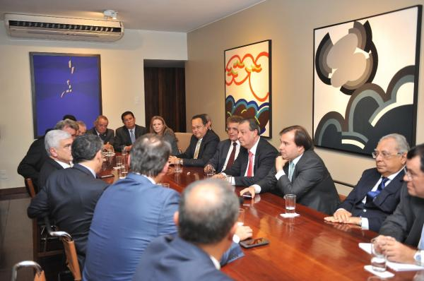 Sem acordo com governo, Gedeão Amorim busca alternativas para manter ZFM