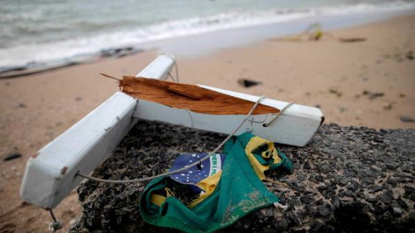 Embarcações naufragam e deixam mortos e desaparecidos