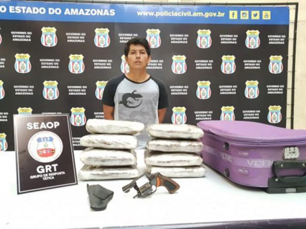Homem é preso com 8 kg de drogas escondidos em bagagens dentro de embarcação