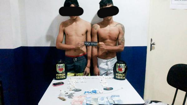 Dois adolescente são apreendidos por matarem com várias facadas um senhor de 45 anos.