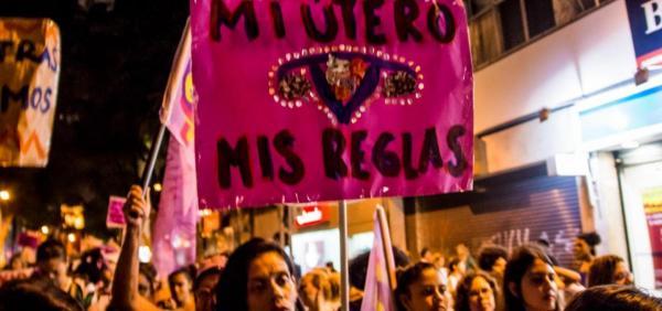 Câmara argentina aprova lei que legaliza o aborto