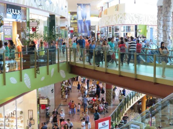 Copa deve estimular vendas de TVs, vestuário e bebidas em Manaus