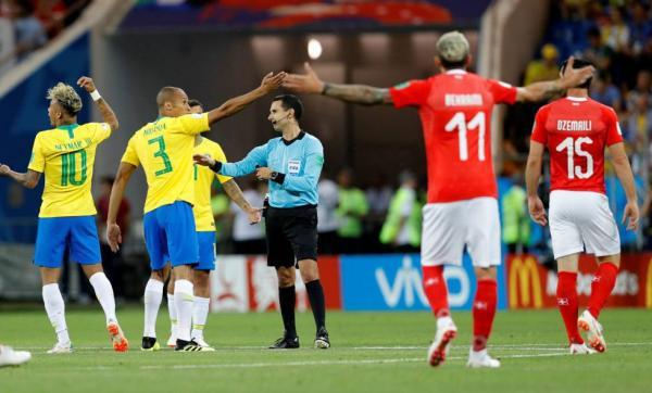 Tite lamenta empate e vê Brasil ansioso na estreia da Copa