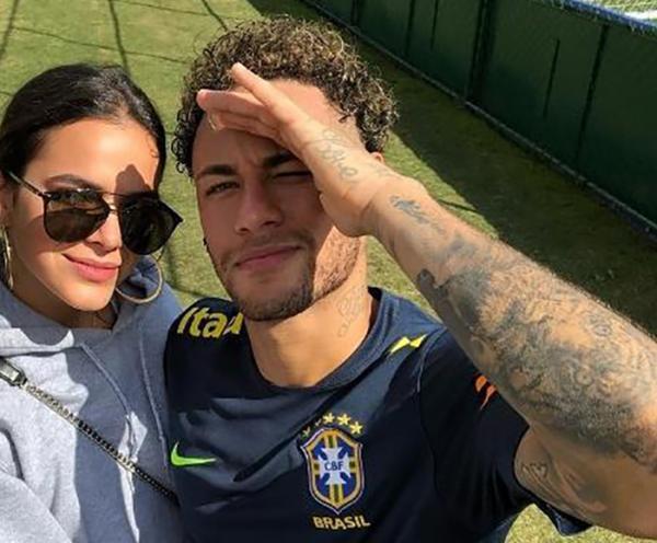 Bruna Marquezine consegue folga na novela e vai à Rússia ver Neymar na Copa