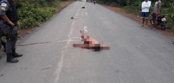 Se arrastando, adolescente foi encontrado nu e ensanguentado na AM 070