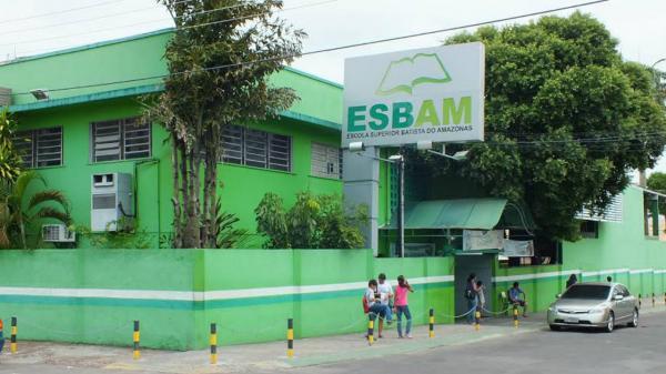 Faculdade Esbam é acusada de oferecer cursos falsos de graduação no interior do Amazonas
