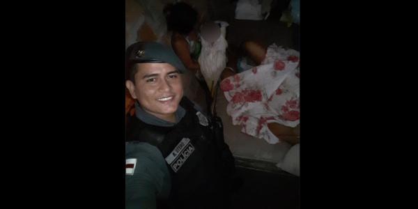 Policiais ajudam parto mulher que teve complicações no bairro Aleixo