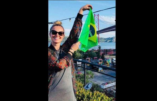 Paolla Oliveira aparece com barriguinha em foto e fãs especulam gravidez