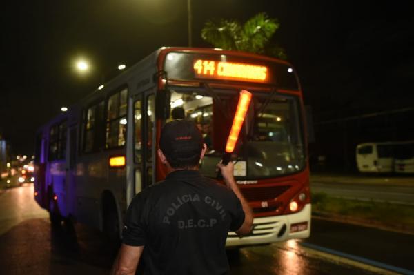 Presos por roubos a ônibus cresce 101,8% de janeiro a maio em relação ao mesmo período de 2017