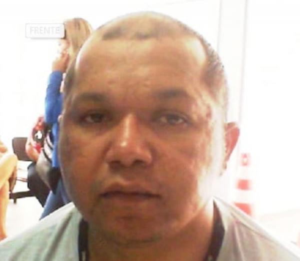 Motoqueiros cercam carro e executam homem com oito tiros em Manaus
