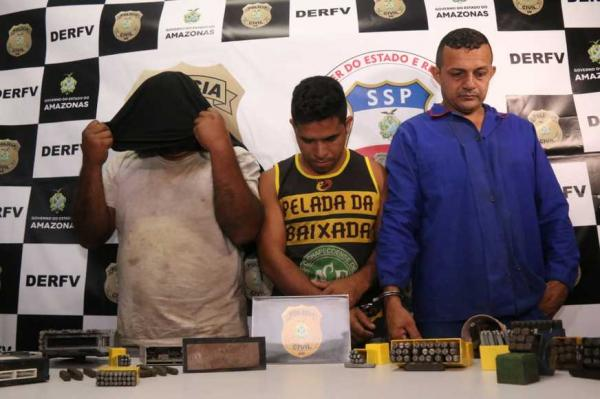 Trio que comprava veículos roubados, adulterava e depois revendia é preso em Manaus