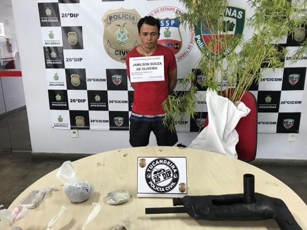 Ex-soldado do Exército é preso com pés de maconha e arma caseira em Manaus