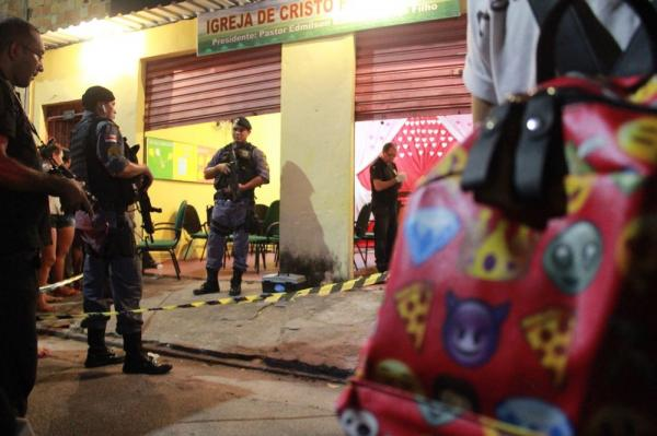 Homem é morto dentro de igreja durante culto em Manaus