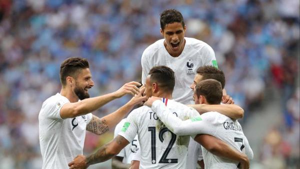 França elimina Uruguai nas quartas, e segue para a semifinal