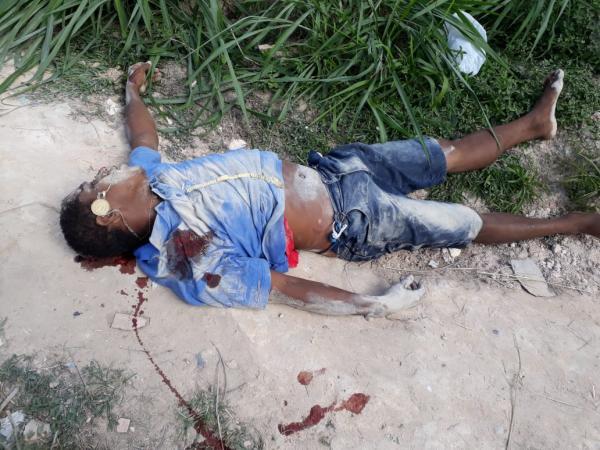 Homem é executado a tiros no bairro de Petrópolis