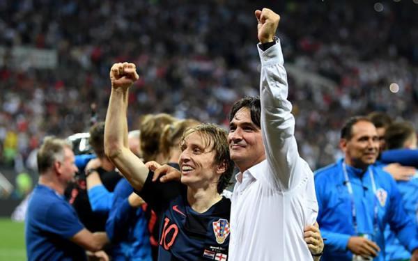 Enxotado dos Emirados Árabes, técnico foi de interino a herói com a Croácia