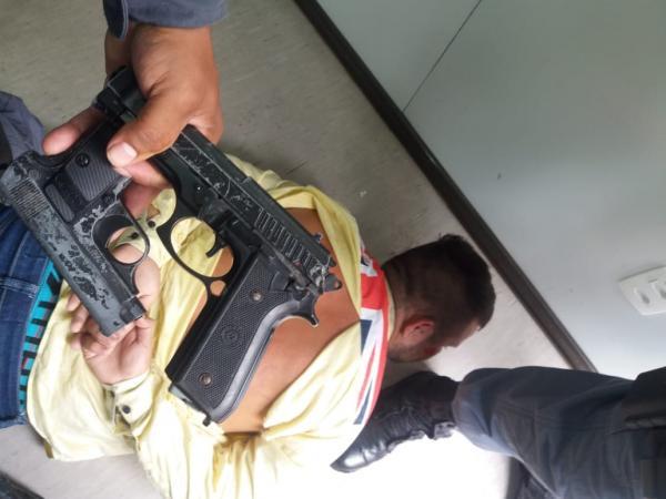 Bandidos armados invadem loja, e fazem assalto em shopping de Manaus
