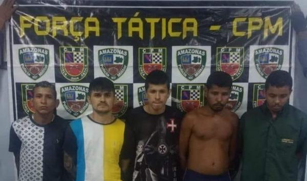 Cinco infratores são presos por tráfico de drogas, associação e porte ilegal de arma de fogo