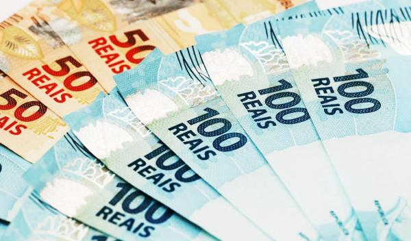 Governador Amazonino Mendes antecipa para 24 e 25 de julho o pagamento da 1ª parcela do décimo terceiro salário