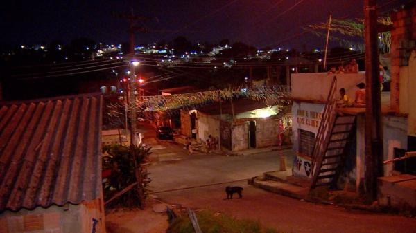 Traficantes impedem agentes de continuarem vacinação contra sarampo em Manaus