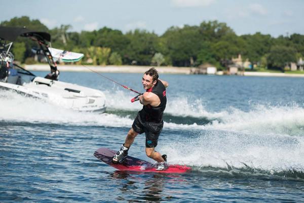 Com duas categorias, Manaus sedia Amazonense de wakeboard, no dia 28