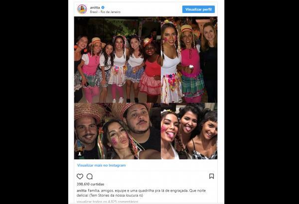 Após críticas, Anitta desce do salto e discute com internauta