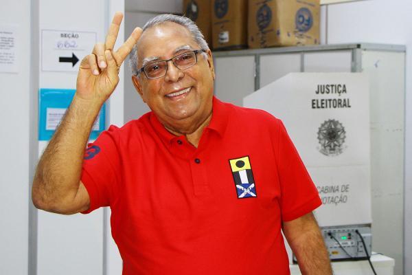 Amazonino lança candidatura pelo PDT