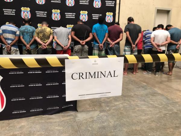 Operação prende 97 pessoas e apreende cinco adolescentes por crimes em Manaus