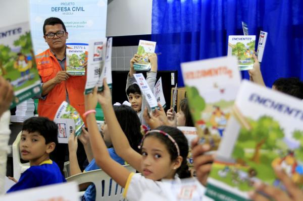 Prefeitura inicia mais uma edição do projeto 'Defesa Civil na Escola', na zona Oeste de Manaus
