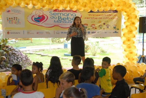 Festival da Semana do Bebê promove socialização de crianças refugiadas