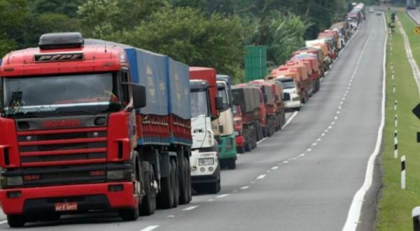 Senado aprova MPs que governo negociou com caminhoneiros para encerrar greve