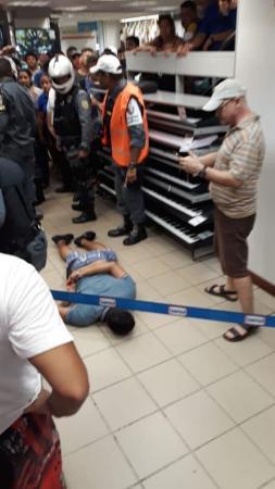 Assaltante é baleado no centro de Manaus