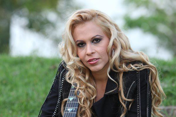 TCE suspende novo contrato para show da cantora Joelma
