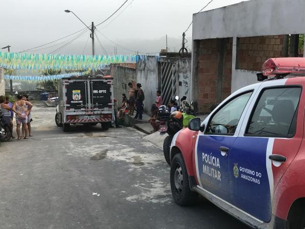 Mototaxista é achado morto dentro de casa em Manaus com golpes de faca