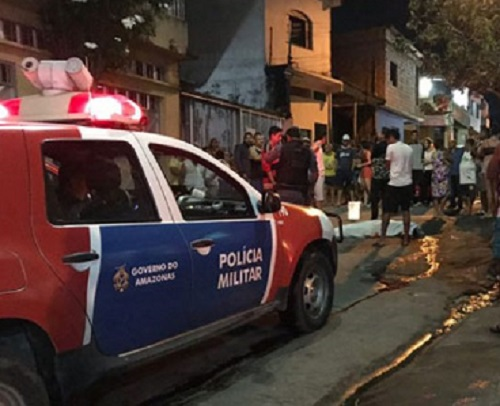 Homem é executado com tiros na cabeça na, Zona Leste de Manaus; imagens fortes