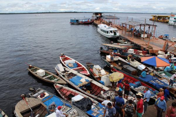 Homens armados e encapuzados assaltam balsa na Manaus Moderna