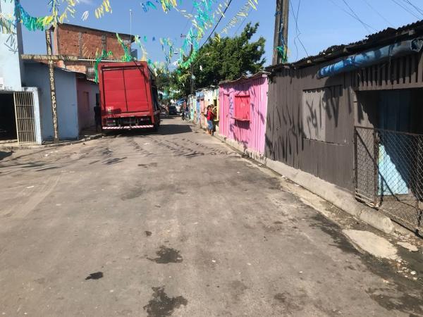 Homens são mortos a tiros em lanchonete no bairro Petrópolis em Manaus