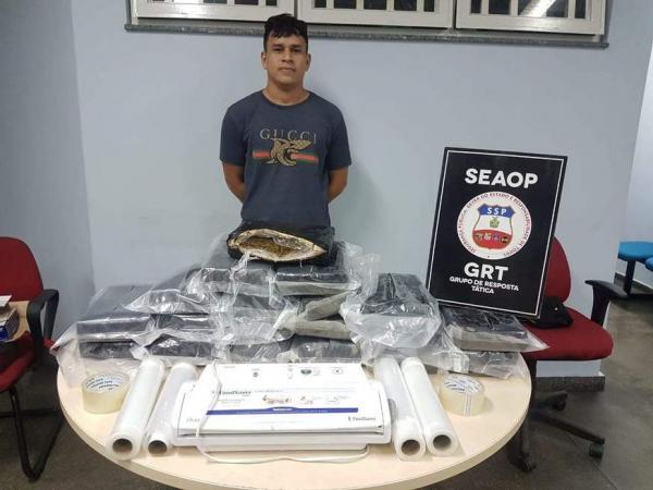 Preso com 20kg de maconha entregava drogas usando um Jeep Renegade