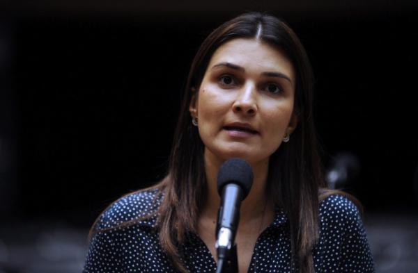 Com maior patrimônio entre os vices, Rebecca declara relógio de R$ 29 mil