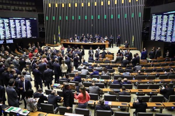 Amazonas tem 18 candidatos por vaga a deputado federal