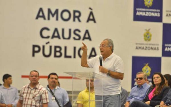 Em menos de um ano, Amazonino gastou R$ 46 milhões com publicidade